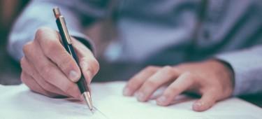 Ausweise, Dokumente und Urkunden
