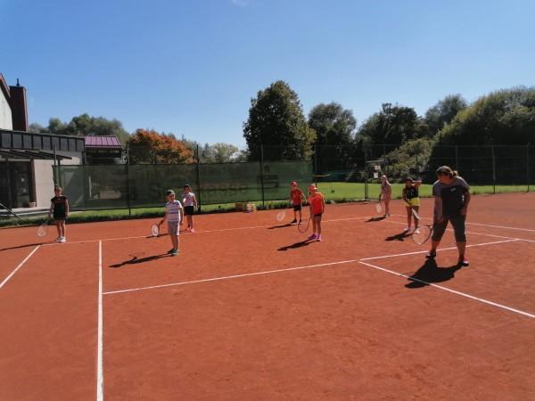 TSV Burgau Abteilung Tennis Kinder lernen Tennis